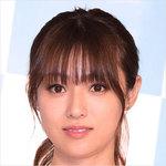 深田恭子、「サーフボード手入れ中」水着姿公開でファンが「さすが!」大歓喜