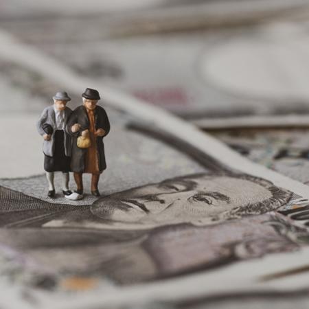 「老後資金2000万円」貯めるちょっとグレーな蓄財術(2)副業でガッツリ稼ぐ