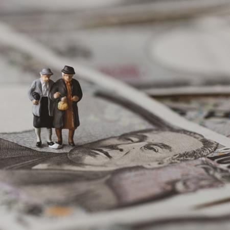 「老後資金2000万円」貯めるちょっとグレーな蓄財術(4)長期投資では間に合わない!