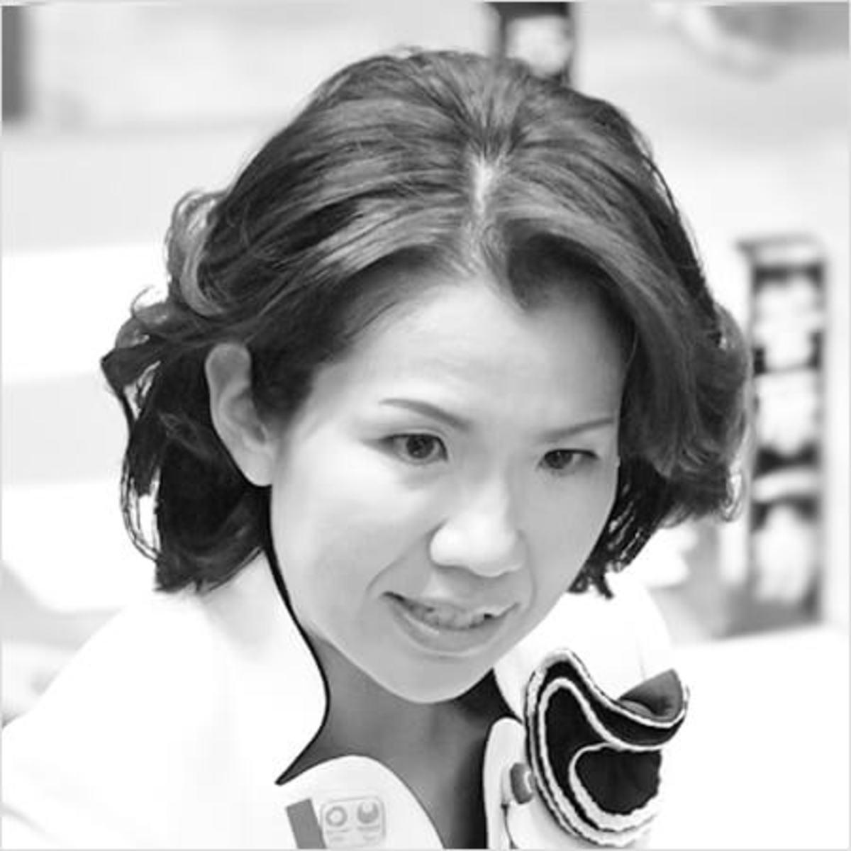 豊田 真由子 バイキング